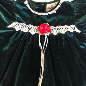 Rare Editions Dresses - Rare Editions girls dark green velvet dress 2T